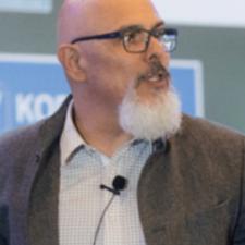 Néstor Márquez, Profesor de IEBSchool