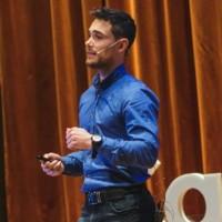 Franco Ubber Scapin, Profesor de IEBSchool