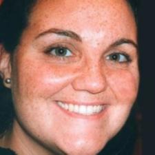 Elisenda Vives, Profesor de IEBSchool