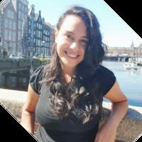 Layla Scheli, Profesor de IEBSchool