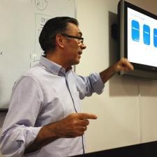 Tomás Esteban, Profesor de IEBSchool